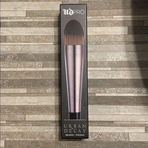 UD Pro Large Tapered Foundation Brush